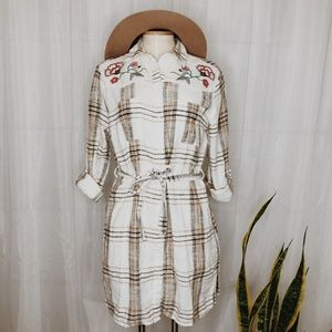 • GLAMOROUS • plaid floral embroidered dress